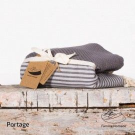 Famille nomade, fouta, couvertures, artisan