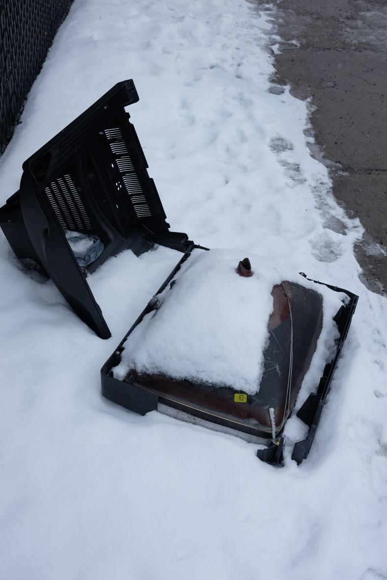 télé abandonnée, autour des livres, hochelaga, quartier de Montréal