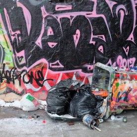 poubelle hochelaga, bibliothérapie, street art