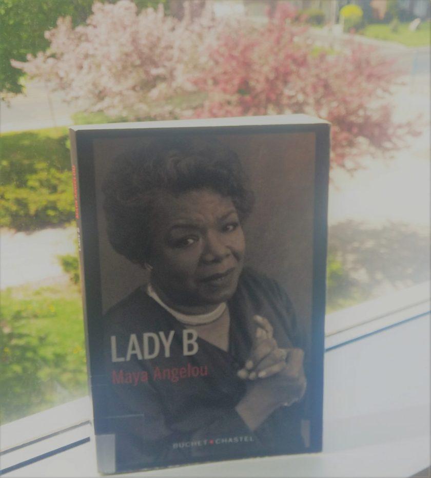 Littérature américaine; Autobiographie; Relation avec sa mère; Maya Angelou; Lady B; Le fil rouge; L fil rouge lit; Bibliothérapie; Littérature; Lecture; Livres; Les livres qui font du bien