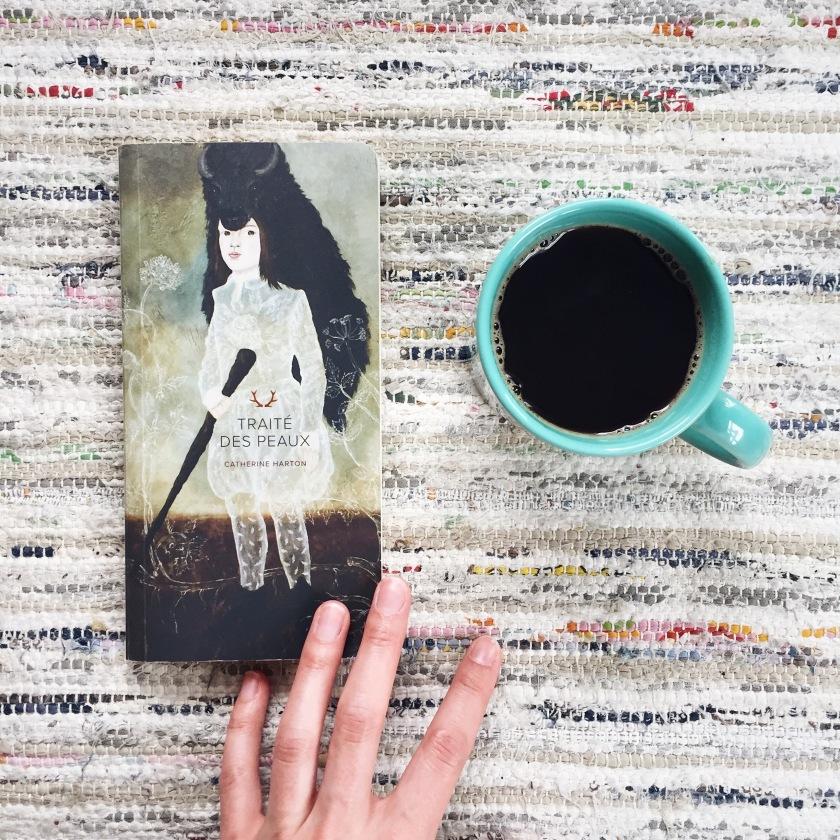 Catherine Harton, Traité des peaux, Nouvelles, Éditions Marchand de feuilles, littérature, littérature québécoise, livres, bibliothérapie, Le fil rouge lit, les livres qui font du bien
