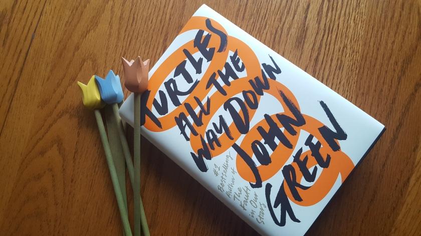 littérature jeunesse, turtles all the way down, tortues à l'infini, john green, troubles anxieux, trouble obsessif compulsif, le fil rouge, le fil rouge lit, livre, lecture, livre jeunesse, les livres qui font du bien, nouveauté,