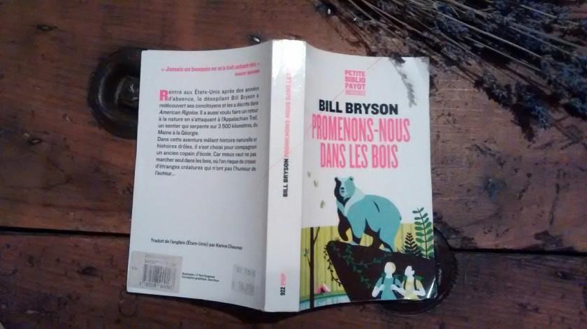 Le fil rouge lit le fil rouge chez le fil rouge littérature littérature américaine bibliotherapie bill bryson promenons-nous dans les bois
