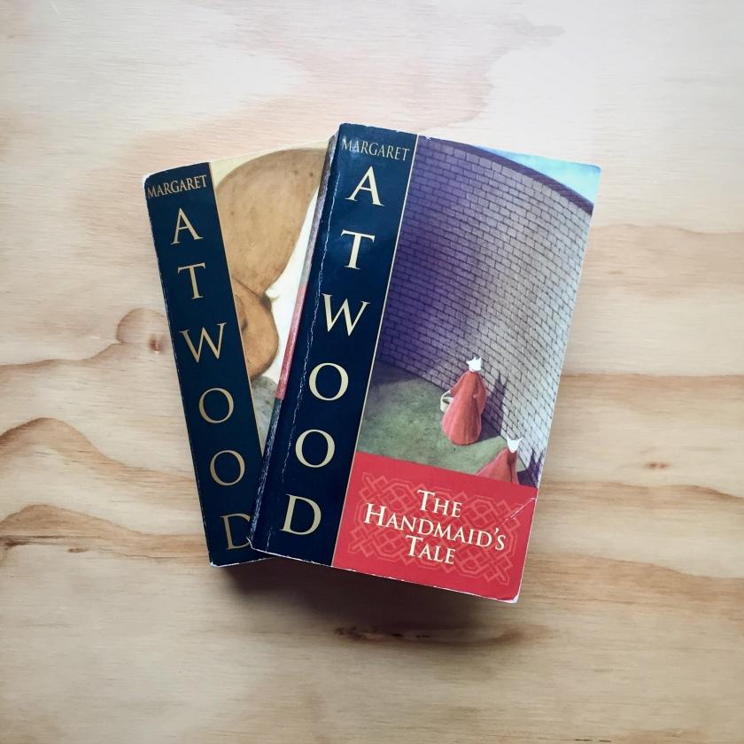 le fil rouge, le fil rouge lit, livres, lecture, littérature, les livres qui font du bien, bibliothérapie, alias grace, the handmaid's tale, margaret atwood, #metoo, littérature canadienne
