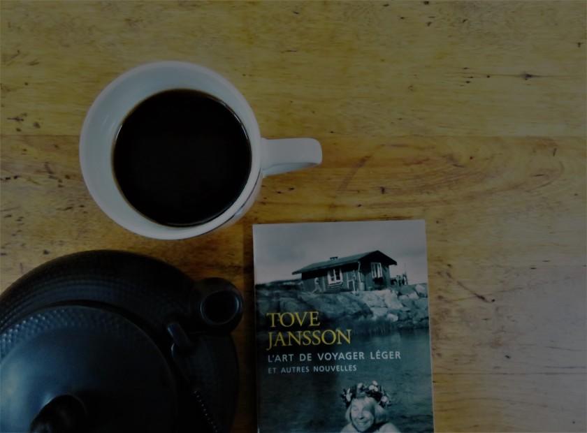 le fil rouge, le fil rouge lit, lecture, littérature, livres, les livres qui font du bien, bibliothérapie, l'art de voyager léger et autres nouvelles, Tove Jansson, Finlande, livre de poche, lecture réconfortante, lecture apaisante, souvenirs d'enfance