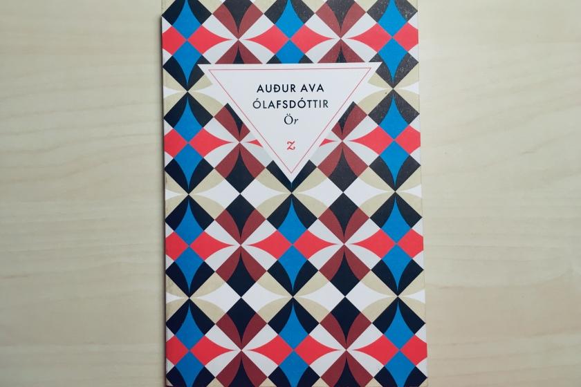 Ör, Auður Ava Ólafsdóttir, Éditions Zulma, Mort, Reconstruction, Humanité, littérature étrangère, Le fil rouge, le fil rouge lit, bibliothéraphie, littérature, lecture, livres, les livres qui font du bien