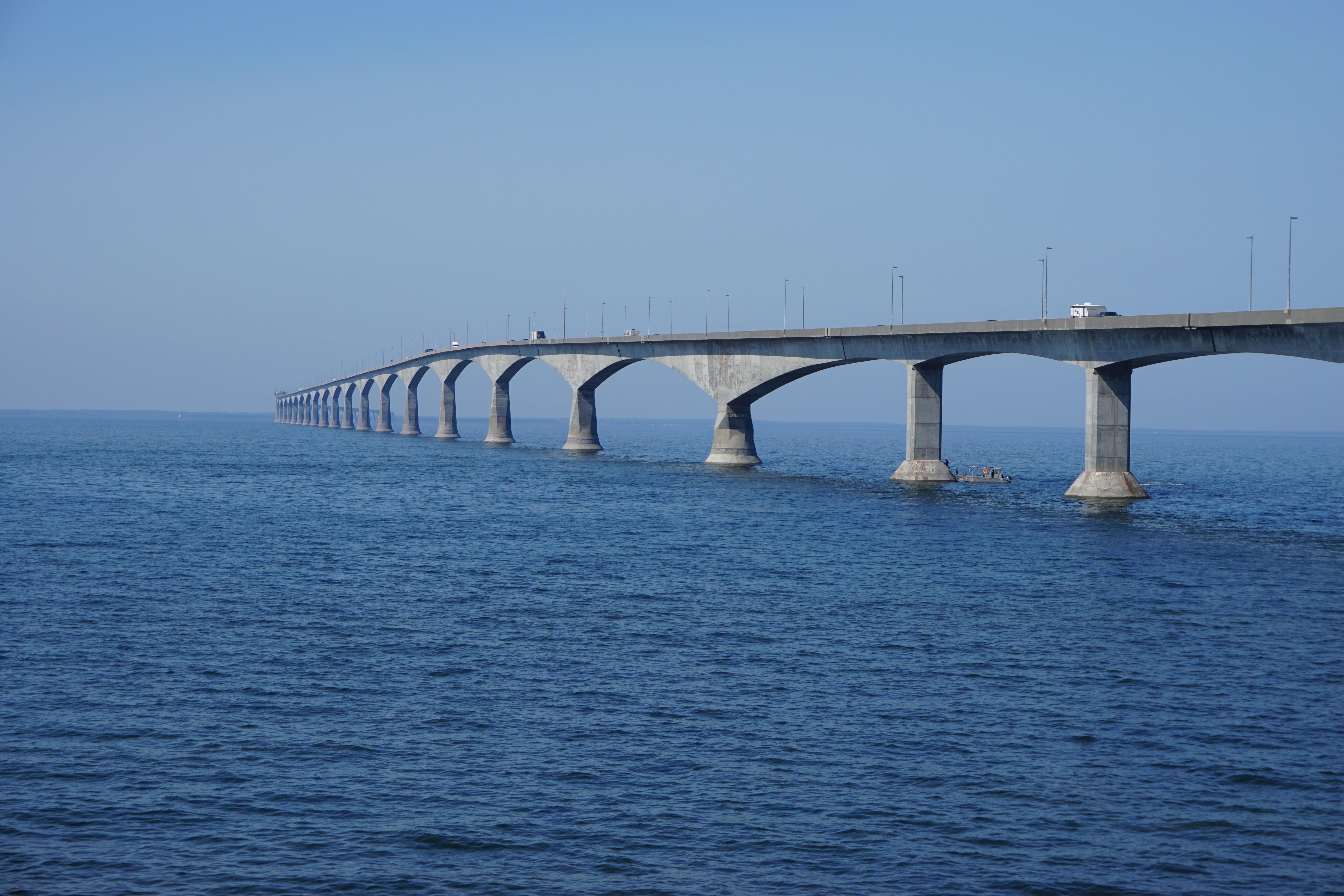 pont océan bleu Canada Île-du-Prince-Édouard voyage Anne La maison aux pignons verts Lucy Maud Montgomery