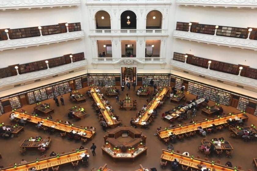les bibliothèques en voyage, les bibliothèques à travers le monde, voyage, visiter une bibliothèque, le fil rouge, le fil rouge lit, bibliothérapie, lecture, les livres qui font du bien, les bibliothèques: arrêt obligé en voyage