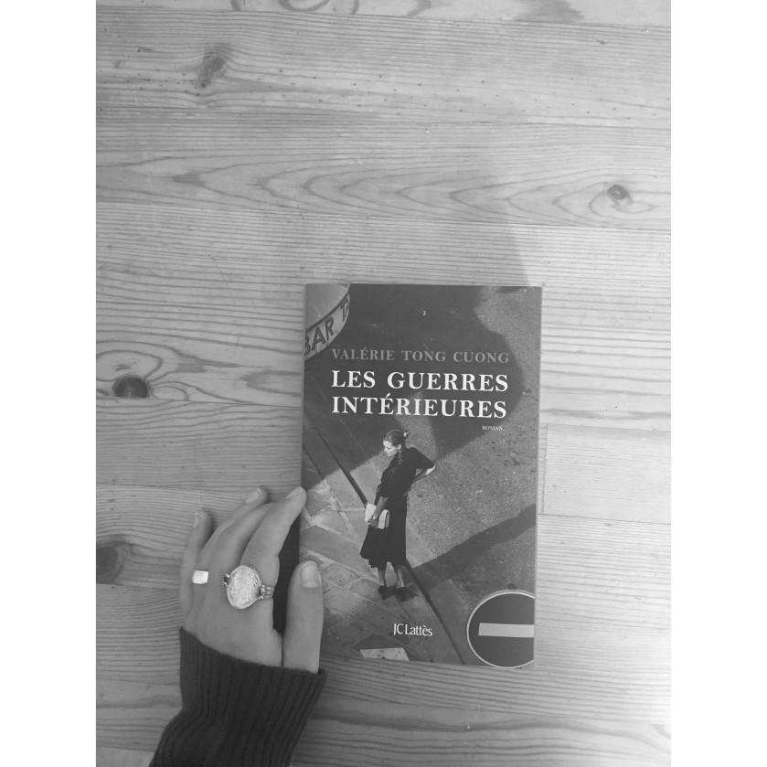 le fil rouge, le fil rouge lit, les livres qui font du bien, livres, littérature, lecture, bibliothérapie, les guerres intérieures, valérie tong cuong, introspection, JClattès, relation amoureuse, culpabilité